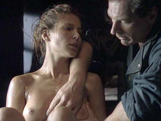 Elsa Pataky Nude Into A Bath Tub