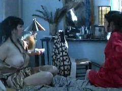 Emmanuelle Vaugier And Katriona Browne Lesbian Scene In The ...