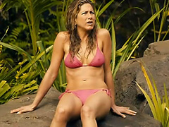 Jennifer Aniston hard nipples in a bikini