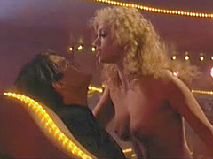 Elizabeth Berkley lovely shaved pussy