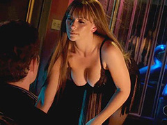 Jennifer Love Hewitt does sexy strip dance