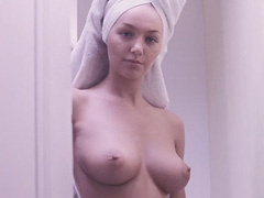 Hayley-Marie Coppin nude shows her pussy