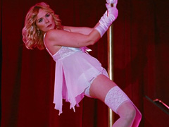 Kim Cattrall does hot strip dance at stage