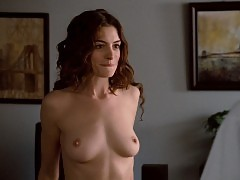 Anne Hathaway Nude Boobs And Butt In Love And Other Drugs Mo...