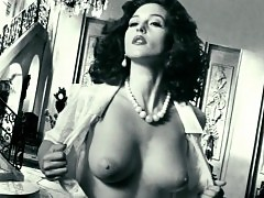 Monica Bellucci Sexy Boobs And Nipples In Malena
