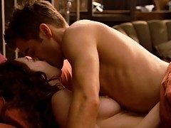 Anne Hathaway Nude Boobs In Love And Other Drugs Movie