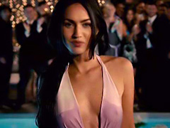 Megan Fox hot as she showing her wet nipples