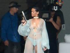 Rihanna Exposing Her Boobs