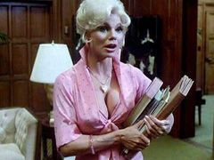 Loni Anderson busts out awesome cleavage